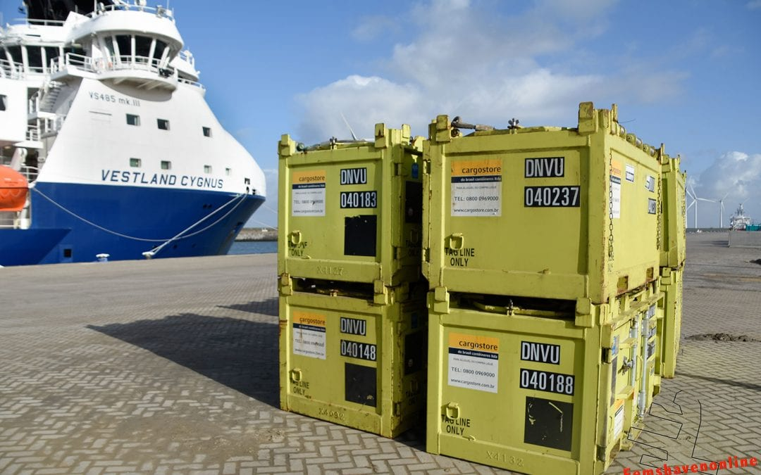 Quay-side, rapid response DNV2.7-1 CCU depot now at Eemshaven.