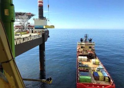Jackupbarge-Converter-Platform-Cargostore-LR-1